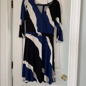 Ann Taylor / faux wrap style dress w/ belt.  Sz 8